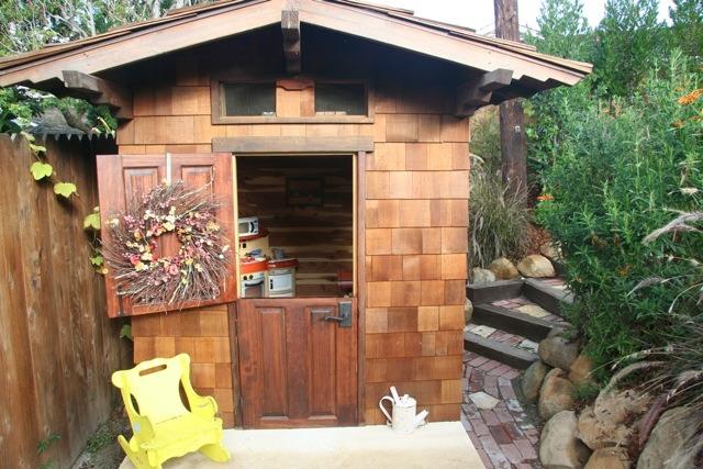 Playhouse doors portable fold up playhouse for Craftsman dutch door